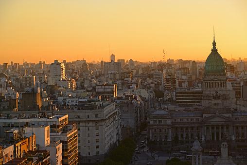 Buenos Aires「Argentina, Buenos Aires, National Congress Palace and Balvanera barrio at dusk」:スマホ壁紙(15)