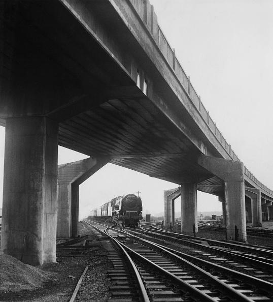 Overpass - Road「Bletchley Flyover」:写真・画像(13)[壁紙.com]