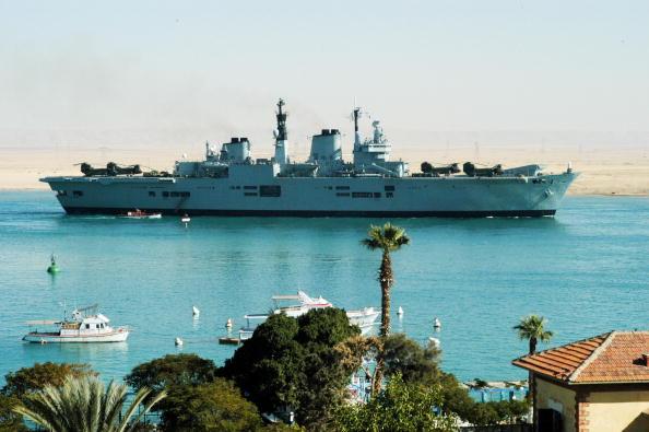Red Sea「British Warships Pass Through The Suez Canal」:写真・画像(17)[壁紙.com]