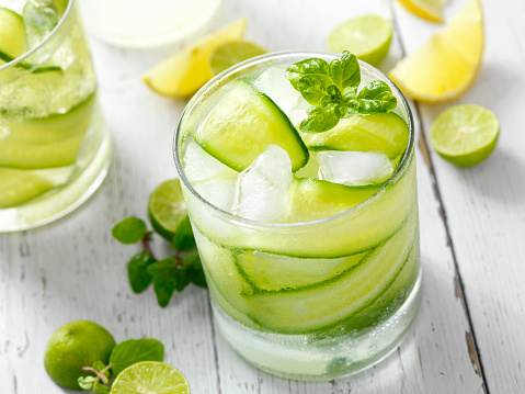Picnic Table「Cucumber, Basil and Citrus Cocktail」:スマホ壁紙(7)