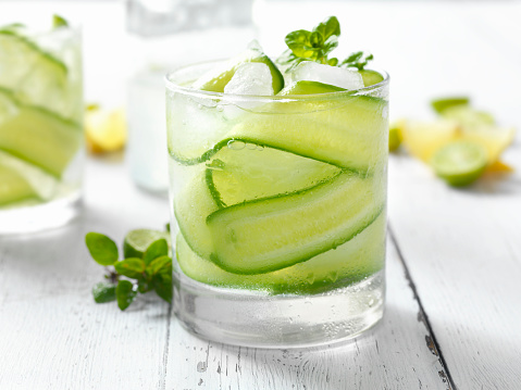 Refreshment「Cucumber, Basil and Citrus Cocktail」:スマホ壁紙(5)