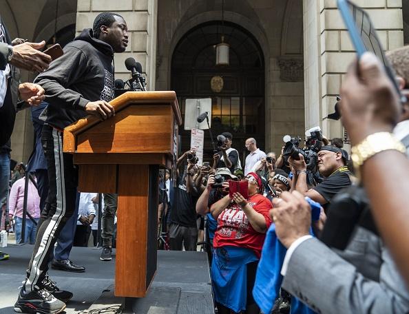 Philadelphia - Pennsylvania「Rapper Meek Mill Returns To Court In Philadelphia For Post-Conviction Appeal」:写真・画像(5)[壁紙.com]