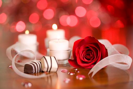 バレンタイン「チョコレートとキャンドル」:スマホ壁紙(18)