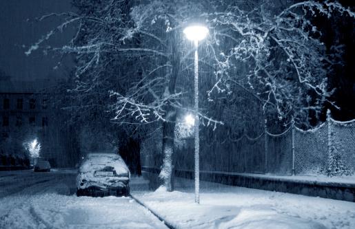 雪が降る「ストーミーの夜」:スマホ壁紙(6)