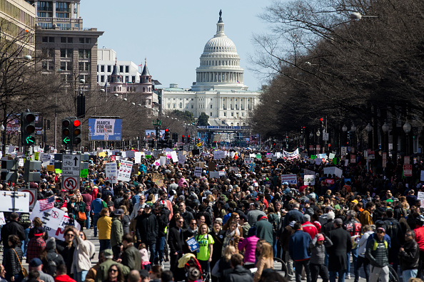 Protest「Hundreds Of Thousands Attend March For Our Lives In Washington DC」:写真・画像(12)[壁紙.com]