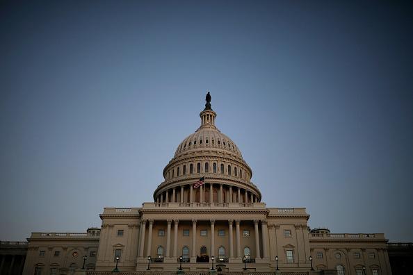 Aaron P「Senate Debates Passage Of Continuing Resolution As Shutdown Deadline Looms」:写真・画像(18)[壁紙.com]