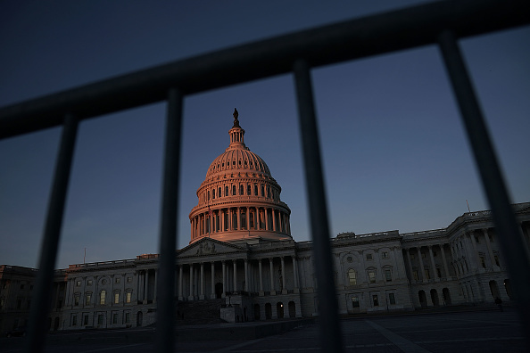 Washington DC「U.S. Congress Wrangles With Agreement To Solve Government Shutdown」:写真・画像(0)[壁紙.com]