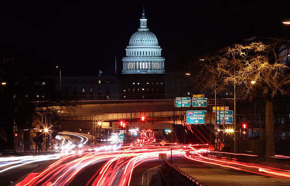 Washington DC「Senate Continues Debate As Government Shutdown Enters Third Day」:写真・画像(13)[壁紙.com]