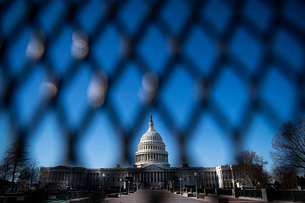 Fence「Protective Fencing Erected Around Buildings In Wake Of Capitol Hill Rioting」:写真・画像(5)[壁紙.com]