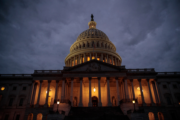 Dusk「U.S. Congress Wrangles With Agreement To Solve Government Shutdown」:写真・画像(15)[壁紙.com]