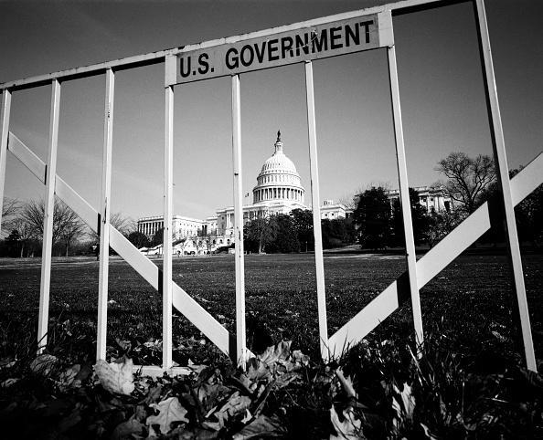 David Hume Kennerly「U.S. Capitol Behind Bars」:写真・画像(8)[壁紙.com]
