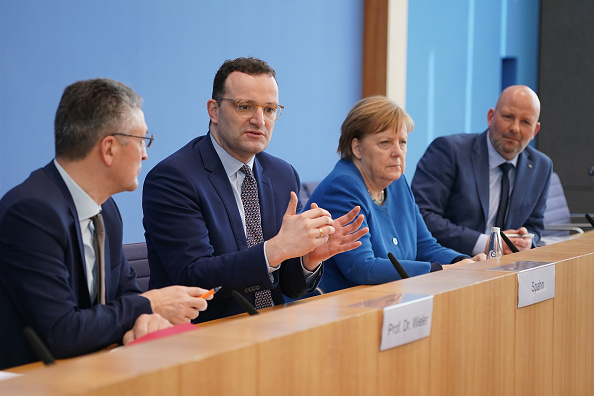 Four People「Merkel Speaks To Media As Coronavirus Top 1,500 in Germany」:写真・画像(5)[壁紙.com]