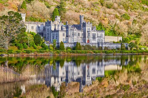 Abbey - Monastery「Kylemore Abbey in Connemara,Ireland」:スマホ壁紙(17)