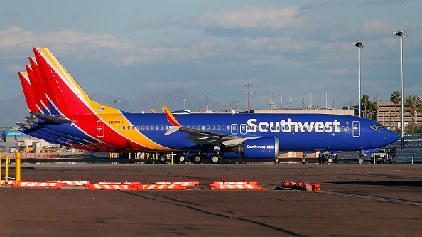 Southwest「U.S. Grounds All Boeing 737 MAX 8 Aircraft After Viewing New Satellite Data」:写真・画像(4)[壁紙.com]