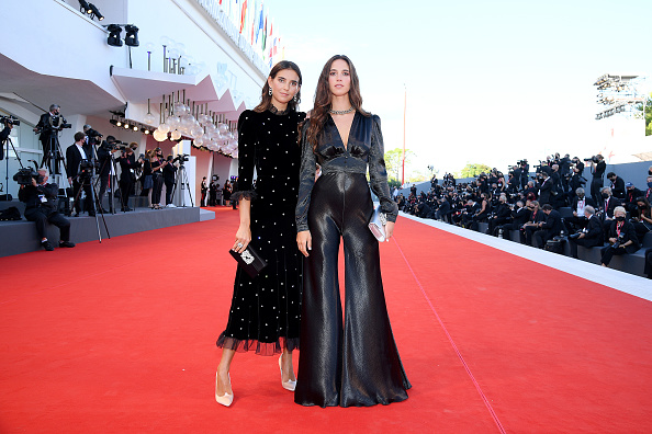 "77th Venice Film Festival「""Lacci"" Red Carpet And Opening Ceremony Red Carpet Arrivals - The 77th Venice Film Festival」:写真・画像(3)[壁紙.com]"