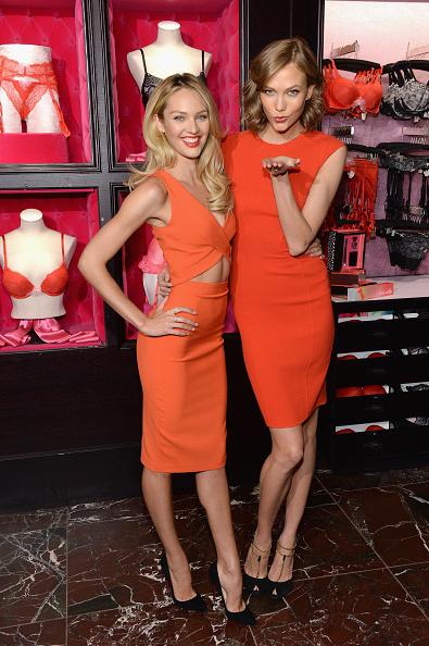 オレンジ色「Victoria's Secret Angels Celebrate Bombshells' Day」:写真・画像(17)[壁紙.com]
