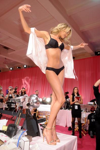 Candice Swanepoel「2013 Victoria's Secret Fashion Show - Hair and Makeup」:写真・画像(7)[壁紙.com]