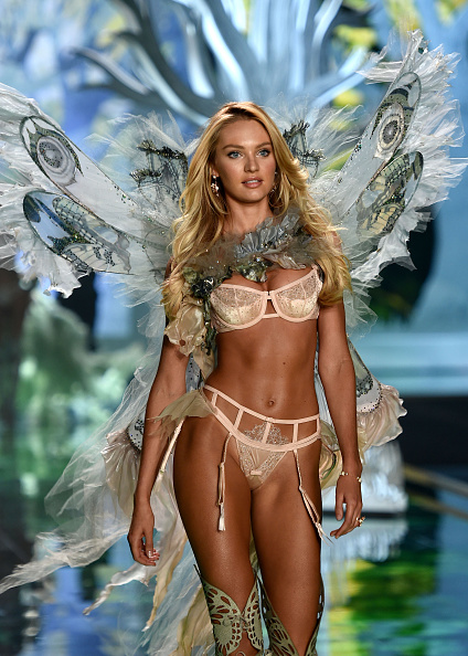 Three Quarter Length「2014 Victoria's Secret Fashion Show - Show」:写真・画像(2)[壁紙.com]