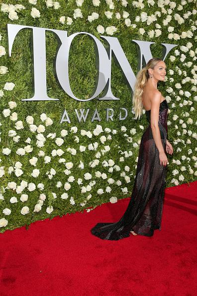 Candice Swanepoel「2017 Tony Awards - Red Carpet」:写真・画像(13)[壁紙.com]