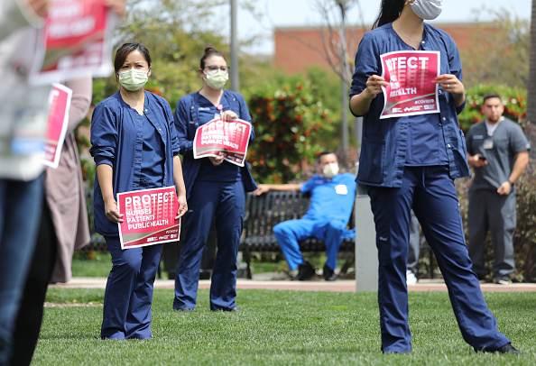 Protective Workwear「Nurses Protest At UCI Medical Center In CA About Lack Of Personal Protective Gear」:写真・画像(8)[壁紙.com]
