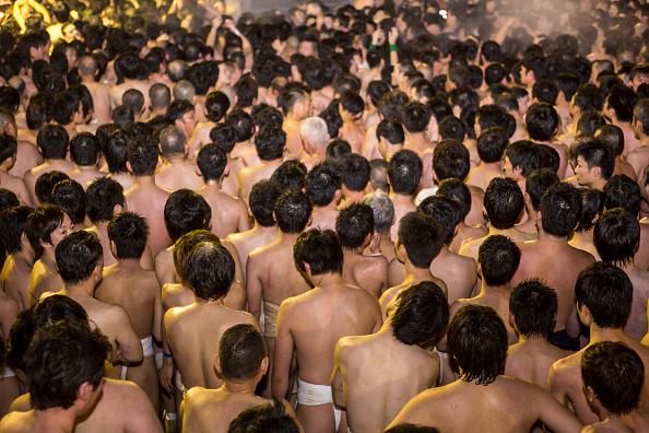 Japan「Naked Festival Takes Place At Saidaiji Temple」:写真・画像(4)[壁紙.com]