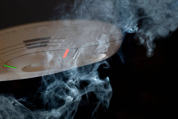 Smoke and Detector:スマホ壁紙(壁紙.com)
