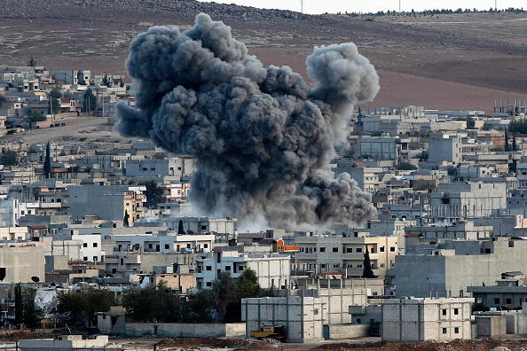Ayn al-Arab「Syrian Kurds Battle IS To Retain Control Of Kobani」:写真・画像(12)[壁紙.com]