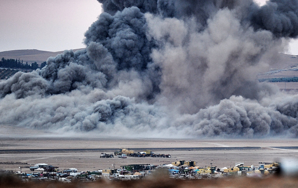 Dust「Syrian Kurds Battle IS To Retain Control Of Kobani」:写真・画像(0)[壁紙.com]