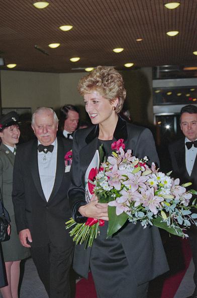 Bouquet「Princess Diana Attends Remembrance Event」:写真・画像(14)[壁紙.com]