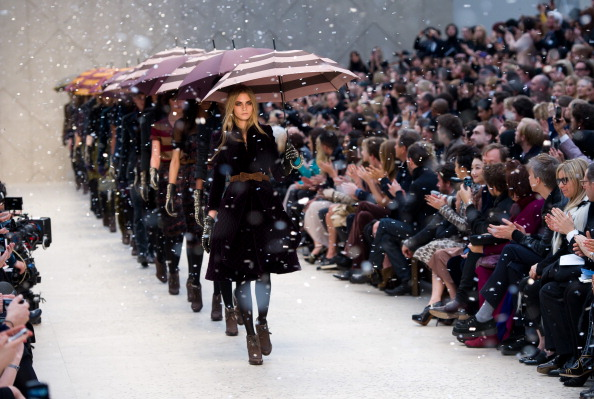 Burberry「Burberry Prorsum: Runway - LFW Autumn/Winter 2012」:写真・画像(7)[壁紙.com]