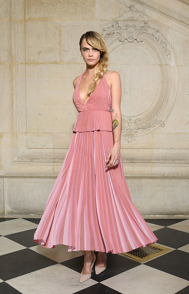 Pink Dress「Christian Dior : Photocall - Paris Fashion Week Womenswear Fall/Winter 2019/2020」:写真・画像(9)[壁紙.com]
