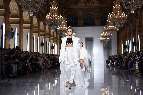 Spring Summer Collection「Balmain : Runway - Paris Fashion Week Womenswear Spring/Summer11 2019」:写真・画像(14)[壁紙.com]