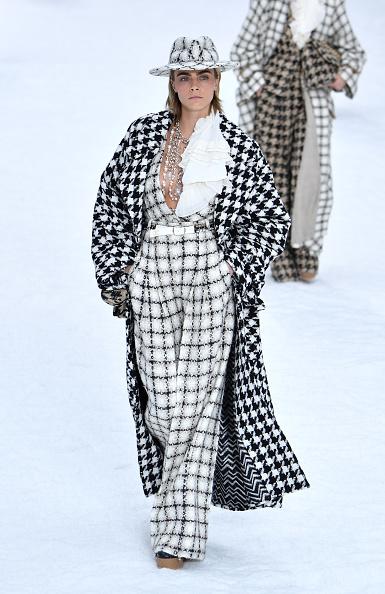Catwalk - Stage「Chanel : Runway - Paris Fashion Week Womenswear Fall/Winter 2019/2020」:写真・画像(13)[壁紙.com]