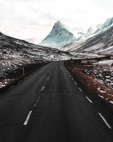 Empty Road「on the raod in iceland」:スマホ壁紙(11)