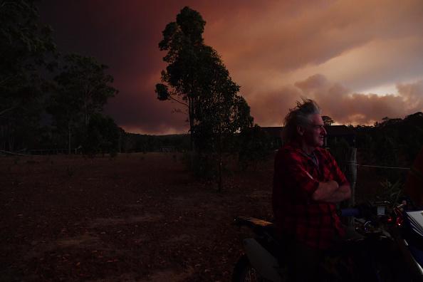 Environmental Damage「Multiple Bushfires Burning At Emergency Level Across NSW Following Death Of Volunteer Firefighter」:写真・画像(14)[壁紙.com]