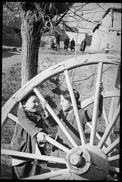 Skull Cap「Children At Horse-Driven Cart」:写真・画像(14)[壁紙.com]
