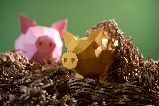 Teenager「Low poly paper piggy banks in a nest of cardboard 'straw'」:スマホ壁紙(13)