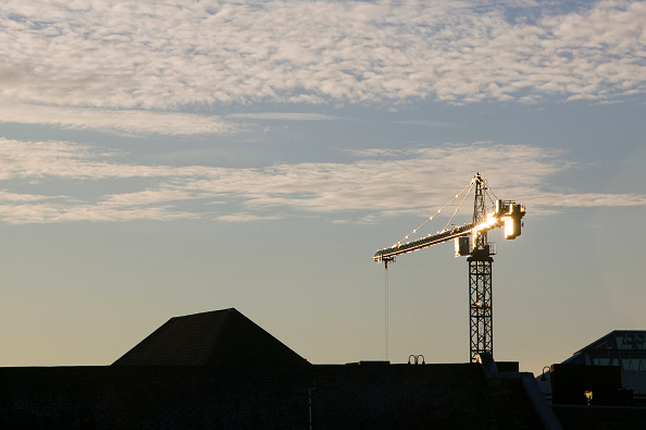 Construction Equipment「A crane in Leicester」:写真・画像(14)[壁紙.com]