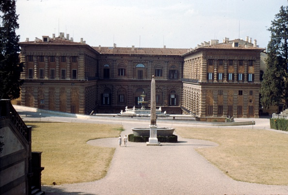 Footpath「Pitti Palace And The Boboli Gardens In August」:写真・画像(18)[壁紙.com]
