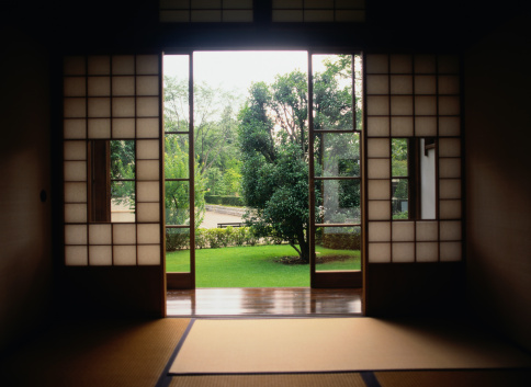 日本文化「View of a Garden From Inside a Room」:スマホ壁紙(16)