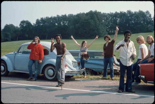 Peace Sign - Gesture「Going To Woodstock」:写真・画像(15)[壁紙.com]