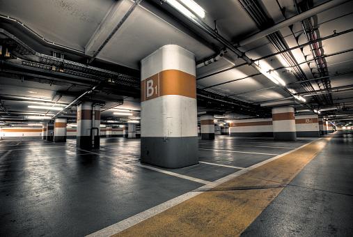 Parking Lot「Empty Orange Parking Garage」:スマホ壁紙(8)