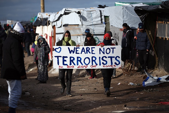 Calais「Destruction Of Calais Jungle Camp Begins」:写真・画像(18)[壁紙.com]