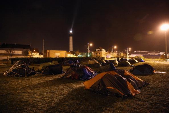 Sangatte「Migrants Gather At Calais Border Pressure Point」:写真・画像(10)[壁紙.com]