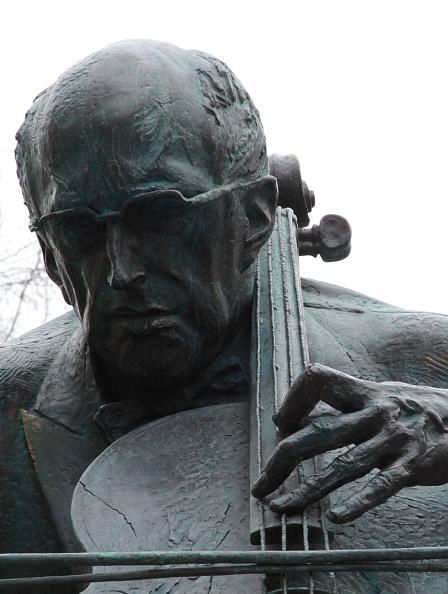 Classical Musician「Rostropovich Statue」:写真・画像(8)[壁紙.com]