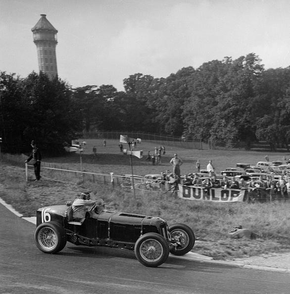 Curve「ERA of Raymond Mays racing at Crystal Palace, London, 1939」:写真・画像(19)[壁紙.com]