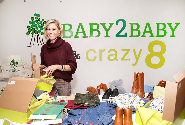 Jesse Grant「Julie Bowen, Baby2Baby, and Crazy 8 Holiday Giving Campaign」:写真・画像(2)[壁紙.com]