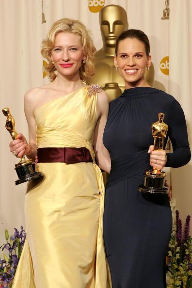 Curly Hair「The 77th Annual Academy Awards - Deadline Photo Room」:写真・画像(13)[壁紙.com]