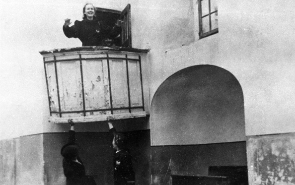 Northern European Descent「Nazis Mock Catholicism」:写真・画像(10)[壁紙.com]