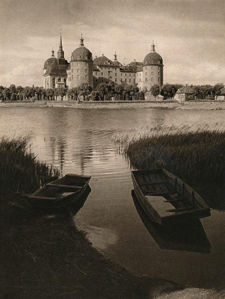Water's Edge「Moritzburg Castle near Dresden, 1931」:写真・画像(10)[壁紙.com]